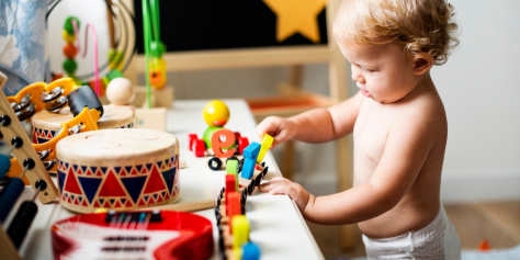 encouuraging independent play in toddlers